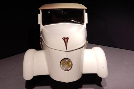 Peugeot VLV: Schon 1941 ging beim französischen Autohersteller ein zartes batterie-elektrisches Auto in Serie. © Klaus Brieter / mid