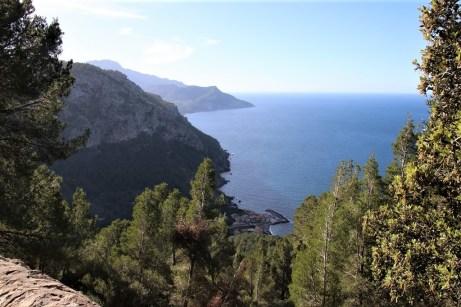 Die Nordküste der Insel bietet zahlreiche reizvolle Blicke aus dem Tramuntana-Gebirge auf das Mittelmeer. © Kurt Sohnemann