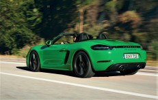 Wie beim 718 Spyder sind die Auspuffendrohre der 718er-GTS-Modelle von der Mitte an die Seite gerutscht. © Porsche