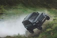 Die erreichbare Seitenneigung ist rekordverdächtig. © Jaguar Land Rover
