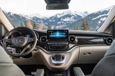 Sieht aus wie ein Mercedes ist auch ein echter Mercedes sogar im Cockpit. Jetzt auch mit den feinen Turbinendüsen. © Daimler es-Benz Advanced Control (MBAC) The new Mercedes-Benz Marco Polo – now with MBUX and Mercedes-Benz Advanced Control (MBAC)