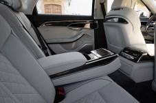 Ambiente: Wie bei einer Oberklasse-Limousine üblich wird auch den Heckpassagieren große Aufmerksamkeit zuteil. © Audi