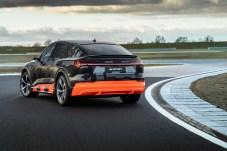 Auspuff überflüssig: Bei Volldampf realisiert der Elektrowagen 370 kW – das wären dann 503 PS und fast 1.000 Newtonmeter. © Audi