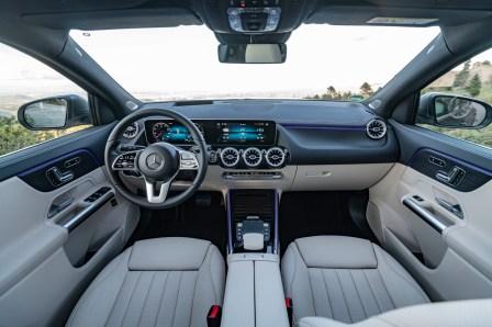 Turbinen-Luftdüsen und ein Widescreen – das sind die Designmerkmale, die sich durch die ganze Kompaktklasse ziehen. © Daimler