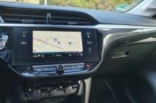 Apple CarPlay und Android Auto kompatible Infotainment-Systeme sowie OpelConnect-Dienste mit Live-Navigation, Notruf und Pannenhilfe runden das Angebot beim Corsa-e ab. © Jutta Bernhard / mid