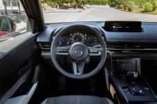 Die Innenraum-Materialien bestehen unter anderem aus recycelten PET-Flaschen. © Mazda