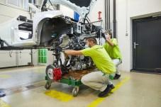 Baukasten: Wie bekommen wir Motor und Vorderachse in das Auto? © Skoda
