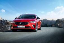 Die GSi-Versionen bilden mit ihren 230 PS die sportliche Speerspitze der Insignia-Familie. © Opel