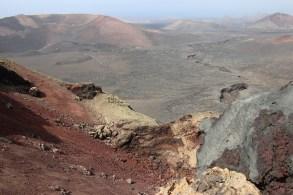 Als älteste Insel der Kanaren besteht Lanzarote vorwiegend aus Vulkangestein in unterschiedlichsten Schattierungen. © Kurt Sohnemann