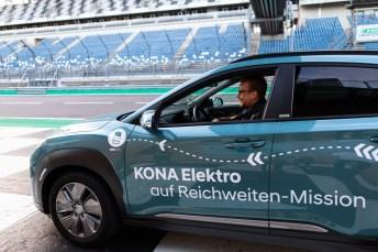 Reichweitenchampion: Hyundai schaffte mit drei Kona Elektro auf dem Lausitzring jeweils über 1000 Kilometer. Foto: Auto-Medienportal.Net/Hyundai