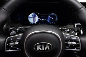 Kia Sorento: Anzeige für den toten Winkel. Foto: Auto-Medienportal.Net/Kia
