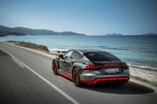 Vier Türen, Coupe-Heck: Der Sport-Stromer bietet Platz für vier Insassen. © Audi