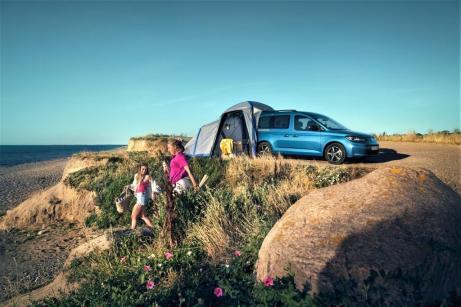 Der Caddy California ist bestens geeignet für das spontane Mikroabenteuer oder den Roadtrip des Jahres. © VWN