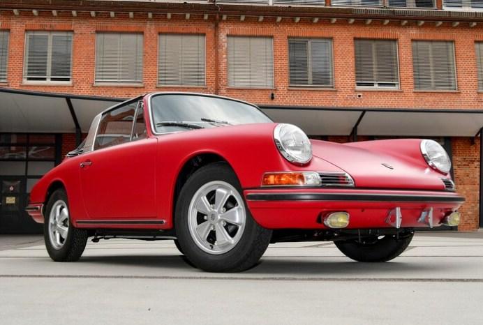 Restauriert: Der erste in Deutschland ausgelieferte Porsche 911 S Targa von 1967. Foto: Auto-Medienportal.Net/Porsche