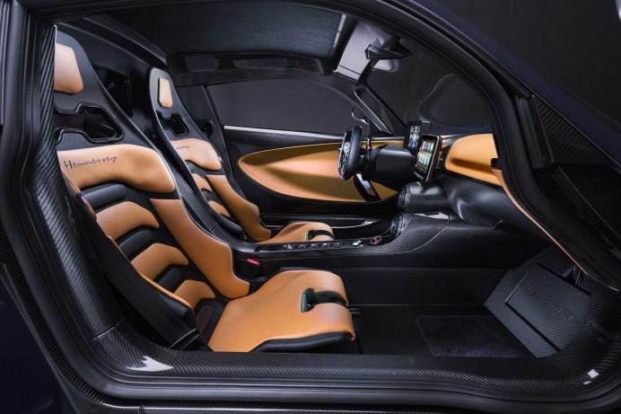 Sicherer Halt: Die Sitze sind an die Dynamik des Antriebs angepasst. © Hennessey