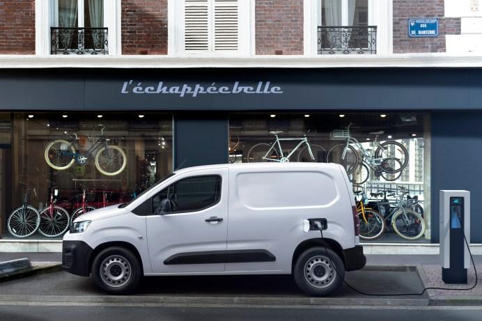Hängt am Strom: Der Berlingo Kastenwagen wird jetzt auch elektrisch. © PSA