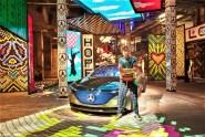 Der EQA ist im luxuriösen Ambiente der Modewelt ein optisches Highlight, das sich selbstbewusst präsentiert vor großflächigen EQA Kampagnenmotiven, die einen Frühlingshauch in das winterliche Berlin bringen. © Mercedes-Benz