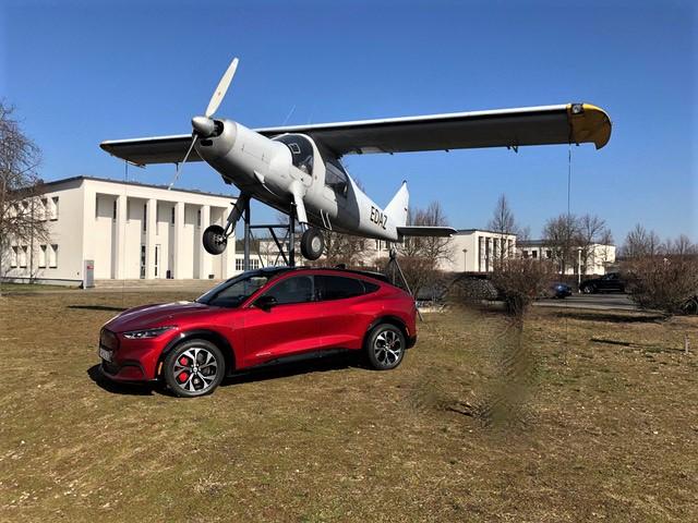 Überflieger? Ob der Mustang als SUV so erfolgreich wird wie sein Sportwagen-Vorbild, bleibt abzuwarten. © Klaus H. Frank