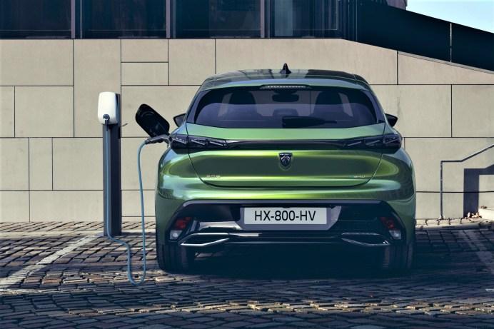 Erstmals gibt es vom Peugeot 308 auch zwei Plug-in-Hybride. © Peugeot
