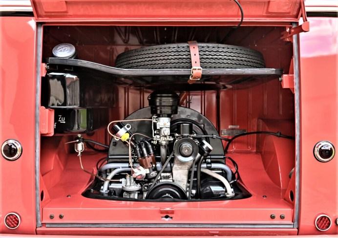 """VW Bulli """"Samba"""" von 1954. Der Motor hatte 1192 ccm Hubraum und 30 PS. Foto: Auto-Medienportal.Net/VWN"""