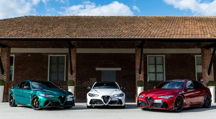 Italienische Sportlimousinen mit 540 PS: Giulia GTA und Giulia GTAm. © Alfa Romeo