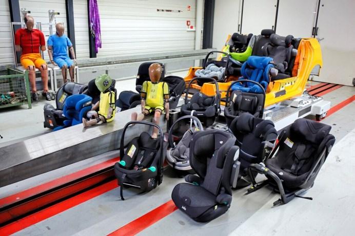 Der ADAC hat in seinem Frühjahrstest 26 Kindersitze geprüft. © ADAC