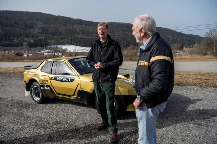 Walter Röhrl wurde von Porsche mit dem wieder in Betrieb genommen 924 Carrera GTS Rallye von 1981 überrascht (rechts: Roland Kussmaul). Foto: Auto-Medienportal.Net/Porsche