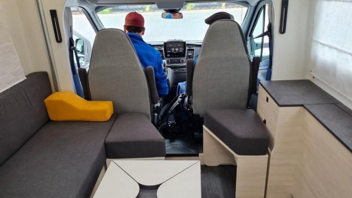 Challenger 240. Foto: Auto-Medienportal.Net/Michael Kirchberger