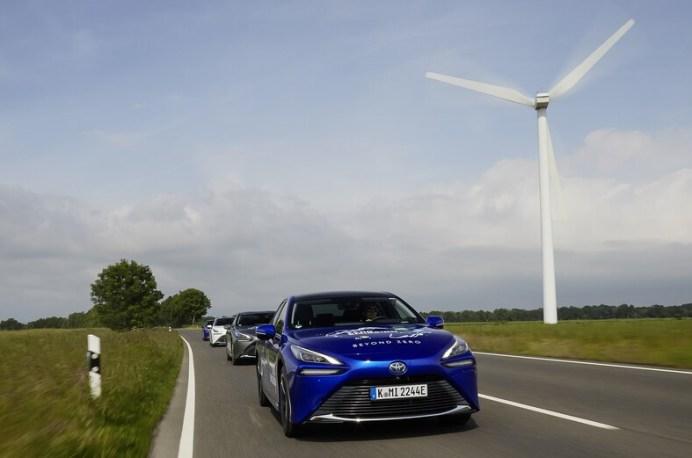 Das Fahren selbst ist nahezu das Gleiche wie in einem Elektrofahrzeug – also lautlos. © Toyota