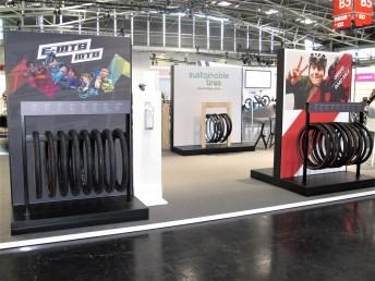 Das größte Pneu-Angebot zeigte mit deutschen Schwalbe-Fahrradreifen die Ralf Bohle GmbH aus Reichshof. © Karl Seiler