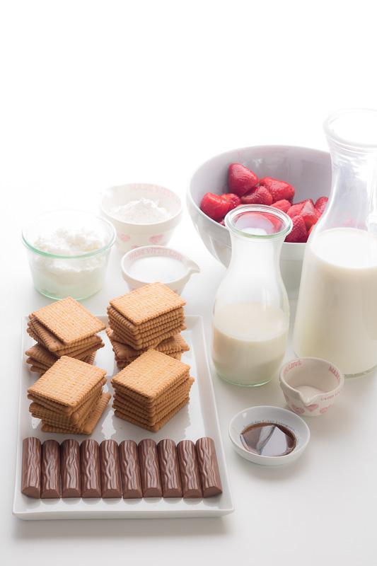 backen, Erdbeeren, Erdbeerschnitten mit Vanillepudding und Yogurette, ohne Backen, Butterkekse, Erdbeerkuchen, Erdbeerkuchen mit Butterkeksen