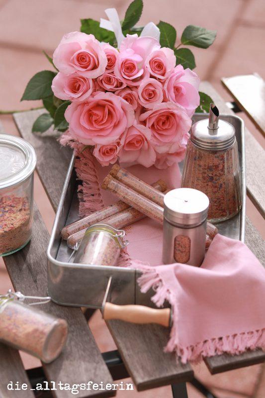 Blütenzucker, homemade, DIY, Geschenke aus der Küche, Pink up your Coffee