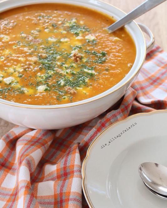 Speiseplan, Essensplan, Wochenplan, Möhrensuppe, Feta, Couscous, Suppe, Suppendienstag, Ü40 Blogger, vegetarisch, Freebie, Wochenplan