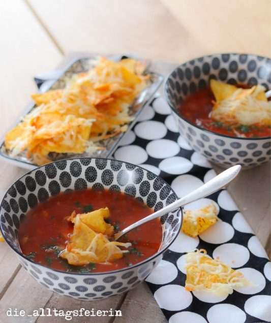 Texmexsuppe, Suppendienstag, Chili sin Carne, Texmexsuppe mit Tortilla-Chips, Speiseplan KW 24-18