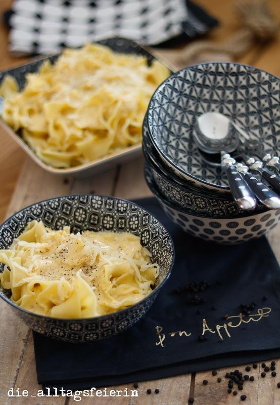KOCHQUICKIE No. 6 * Pasta geht immer, heute mit * Zucchinisoße *