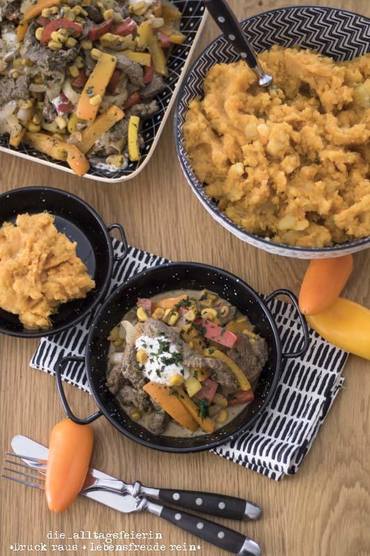 Steak, Cajun, Steakpfanne, Süßkartoffeln, Suesskartoffeln, Süßkartoffelstampf, kochen, Familienküche, Rezept, frisch kochen, gesund kochen, Rindersteak, creolische Küche, Cajunpfanne, Steakpfanne, Mais, Paprika, Kartoffeln, die alltagsfeierin, ü40, ü40 Blog