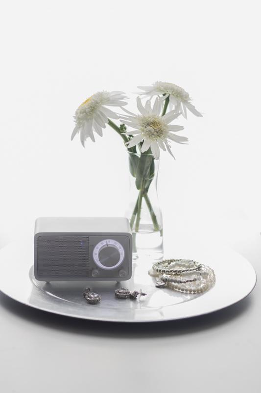 Sangean, Sangean Genuine Mini WR-7, DAB+ Radio, Internet Radio, Hybrid Radio, Mini-Radio mit Bluetooth, Gute-Laune-Guter-Morgen-Playlist, Playlist, monocrom, black and white, schwarz weiß, cleane Fotografie,Kaffee