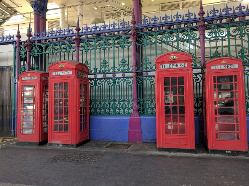 Telefonzellen in Smithfield Market Foto: Petra Breunig