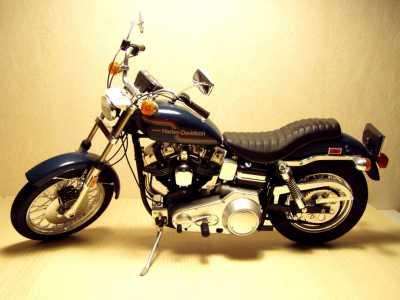 Harley Davidson Super Glide .(1979)