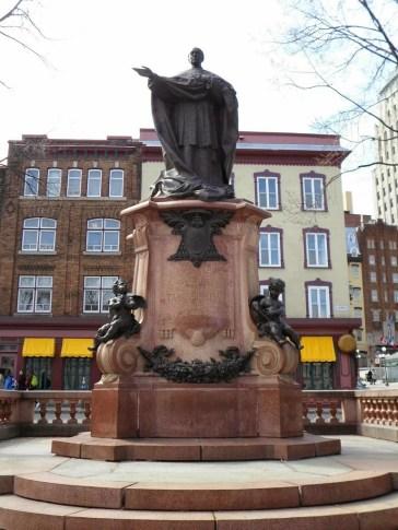 Statue von Elzéar-Alexandre Taschereau, der erste kanadische Erzbischof