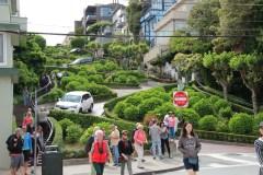 Und der Blick auf die Serpentinen der Lombard Street bergauf