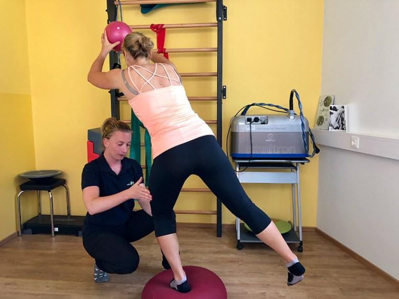 Die ehemalige Leistungssportlerin Sabrina Veitl ist Spezialistin für Sportphysiotherapie.
