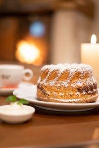 Extra-Tipp: Saftigen Marmorkuchen direkt im Hotel Das Seekarhaus in Obertauern genießen. Foto: Das Seekarhaus
