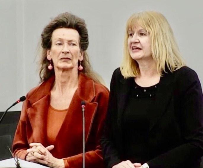 Die Leiterinnen der Frauenhäuser Hallein und Salzburg.