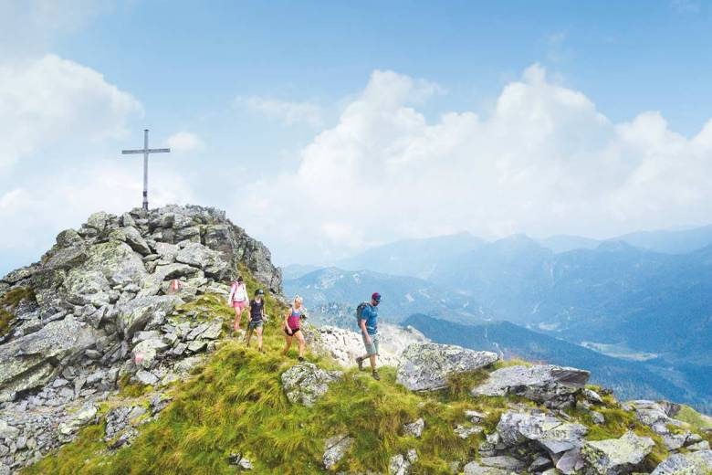 Wunderbar wanderbar: Obertauern im Sommer! Mehr als 100 km Wanderwege und über 20 Almhütten laden in der Region zu einzigartigem Bergerlebnis. Foto: TVB Obertauern