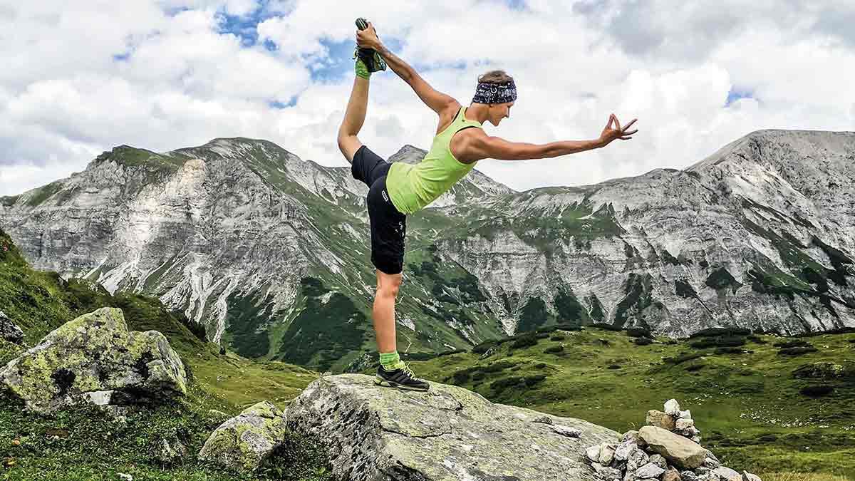 Ob beim Wandern, Biken, Yoga oder sonstigem Workout: Ein stylisches Sport Outfits und eine gepflegte Frisur gehören einfach dazu. Wie dies bestens gelingt, verraten Star-Coiffeur Christian Sturmayr, Style-Expertin Eva Köck-Eripek und Ex-Profi-Snowboarderin Heidi Kring. Foto: TVB Obertauern