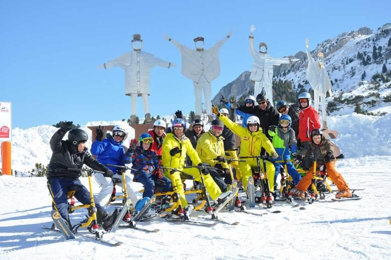 """Auch Snowbiken steht am Programm des """"Take me back on skis""""-Angebots. Foto: TVB Obertauern"""