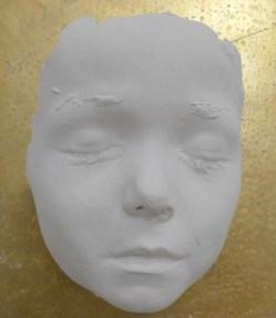 Gesichtsmaske eines Kindes