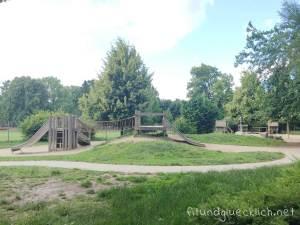 sommer-am-spielplatz-fitundgluecklich-die kleine botin-beitragsbild