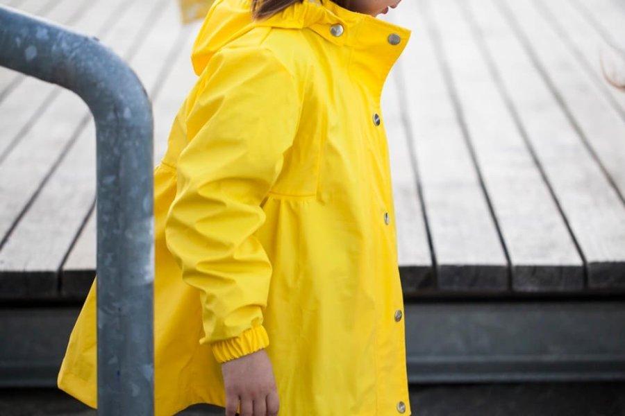 rains-sways-regenmantel-die-kleine-botin-2